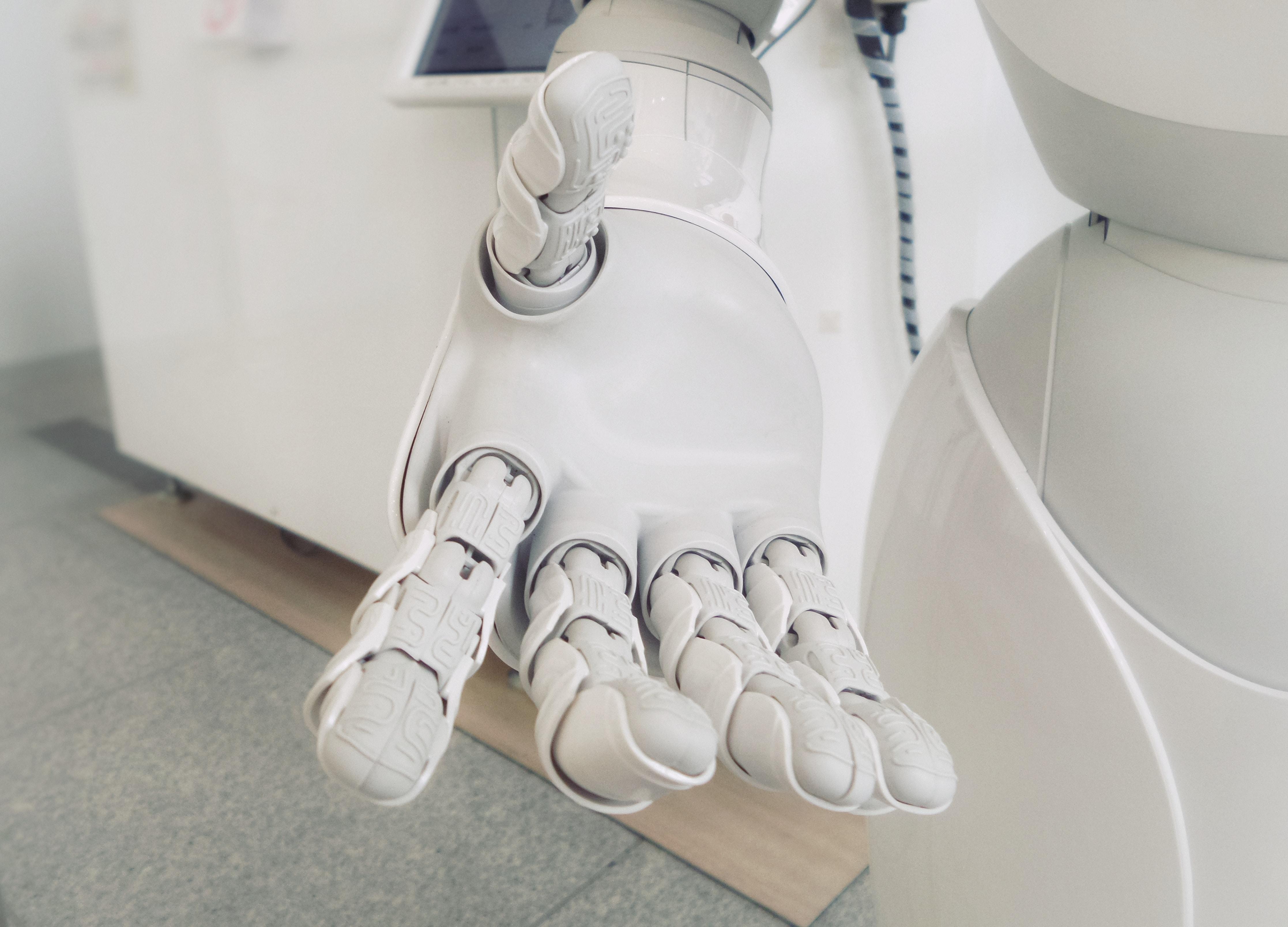 Sari Ancaer communiceert als .NET Developer met robots