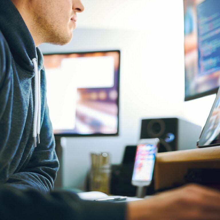 Wat doet een software developer - ElmosExpert